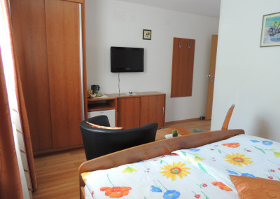 APARTMENTS TAVČAR - ROOM 2